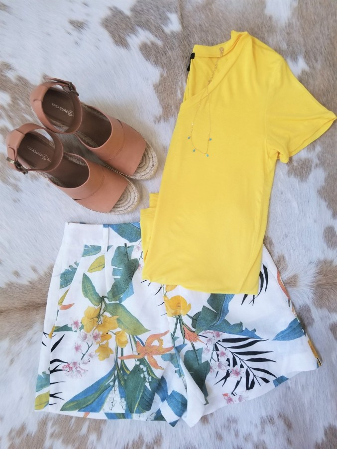 zara short with yellow tshirt